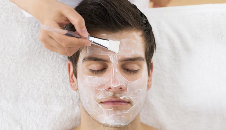 احکام روزه - آیا کرم ضد آفتاب و ماسک صورت روزه را باطل میکند؟